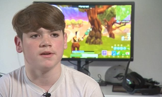 british boy 13 becomes youngest professional player of fortnite big world news - fortnite replay opener