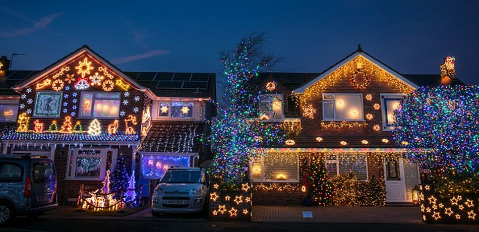 study shows that people who decorate early for christmas are happier - Celebrities Christmas Decorated Homes