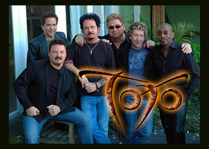 Toto Covers Weezer\'s \'Hash Pipe\' At Vancouver Concert - Big World News