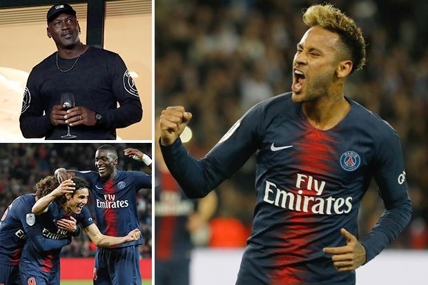 20b624fce47d39 Michael Jordan pays PSG a visit for clash with Reims after kit  collaboration - Big World News