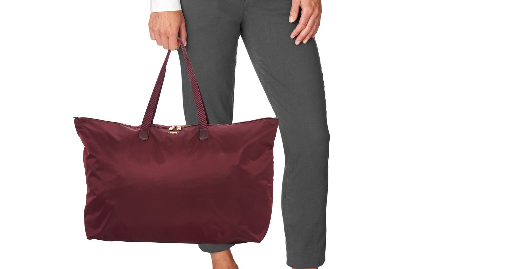 This Expandable Tote Is The Perfect Travel Bag For Fall Getaways