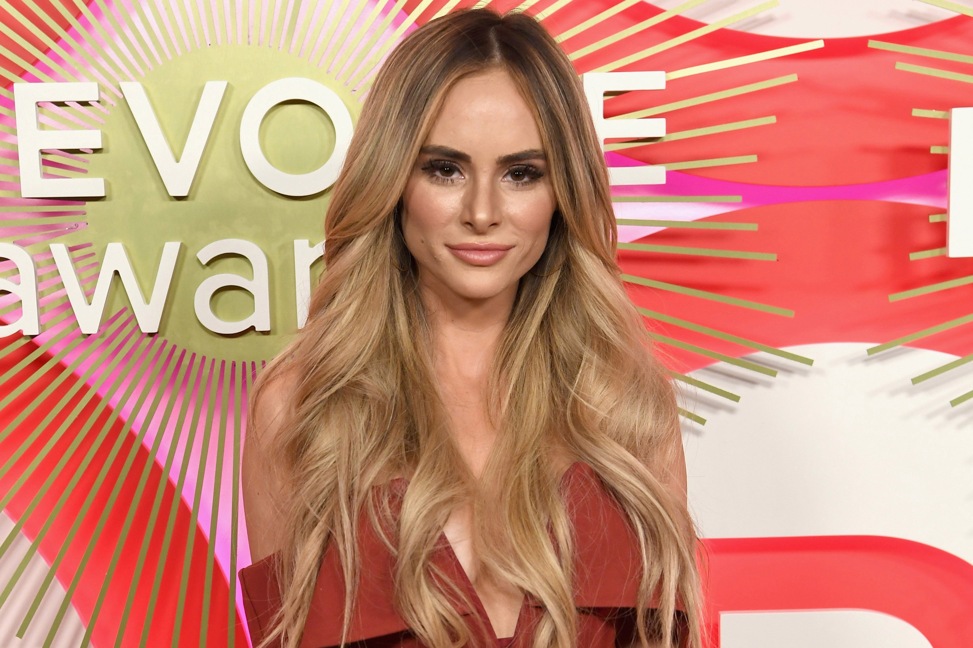 Bachelor in Paradise: Amanda Stanton says Dean is a